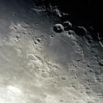 Mond 05